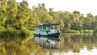 Kalimantan houseboat, Indonesia
