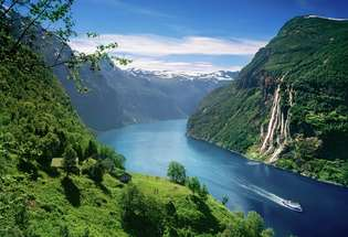 skagefla-and-the-geiranger-fjord-052014-99-0009_2200_315_215
